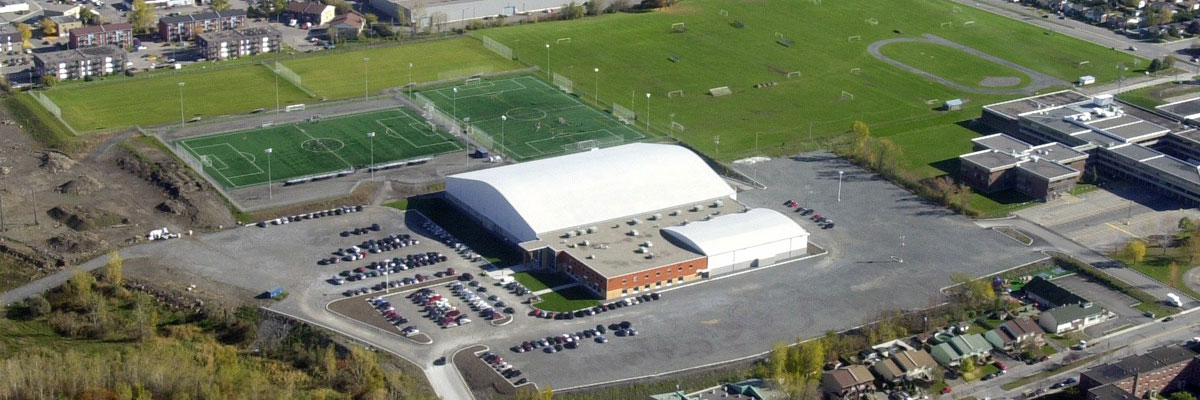 Nos services complexe sportif multi sports de laval for Centre sportif terrebonne piscine